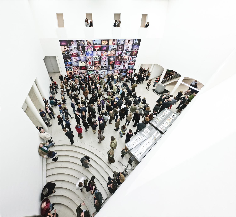 MMK Museum für Moderne Kunst, Zentrale Halle, © Norbert Miguletz
