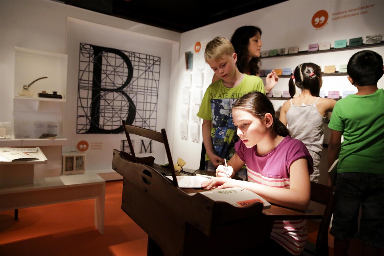 Schönschreiben © kinder museum frankfurt, Stefanie Kösling