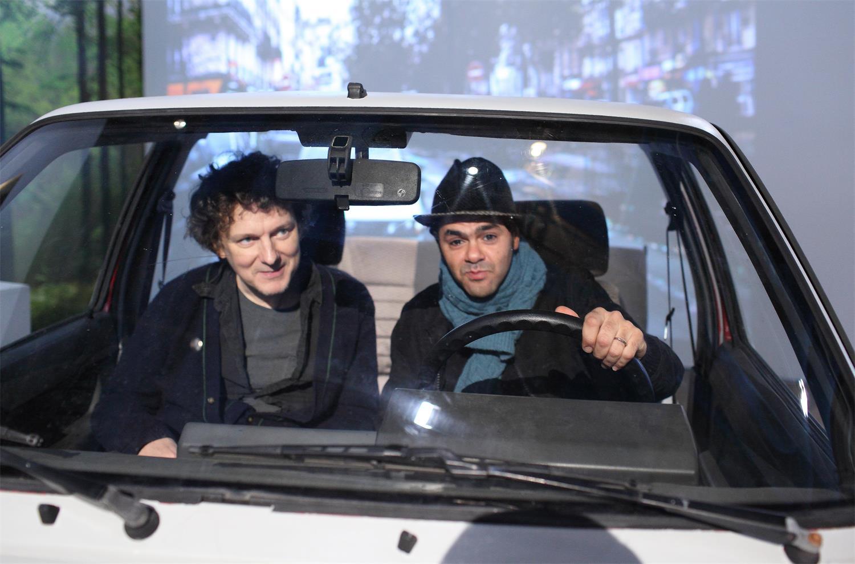 Michel Gondry dreht einen Film in seiner Ausstellung Abgedreht, die ab dem 14. September im Deutschen Filmmuseum gastiert; Quelle: DIF
